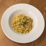 Spätzle di spinaci con salsiccia, finferli e fonduta al Tisoi